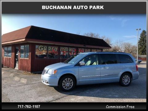 Pre-Owned 2013 Chrysler Town & Country
